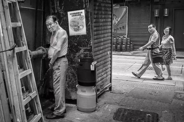 香港街头的黑色幽默